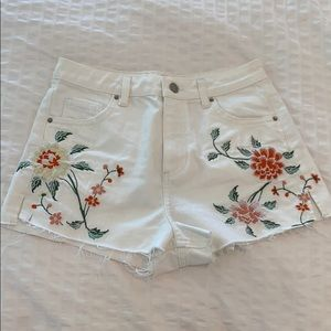 topshop white mom jean shorts
